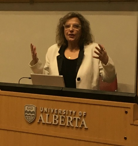 Dr. Doris Taylor (Texas Heart Institute) speaking to the audience at the Alberta Transplant Institute Research Day 2018