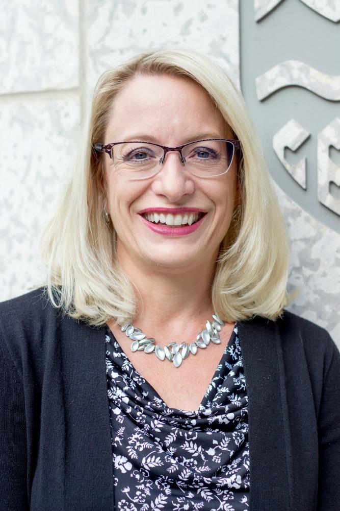 Dr. Jennifer Tupper