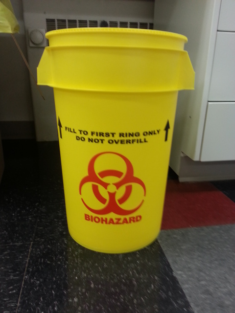 Biohazards waste pail