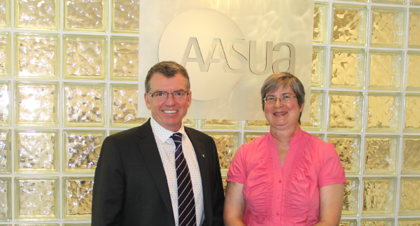 President Turpin meets with AASUA