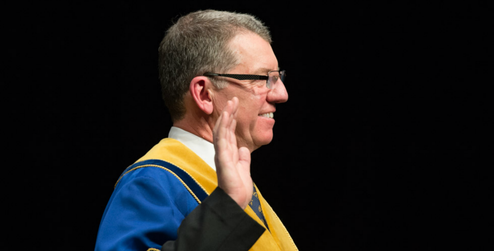 U of A President David Turpin takes the oath of office.