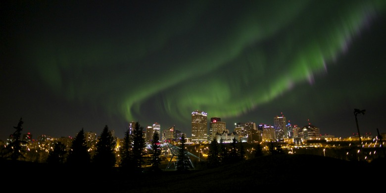 121009-northernlights-banner.jpg?w=1200