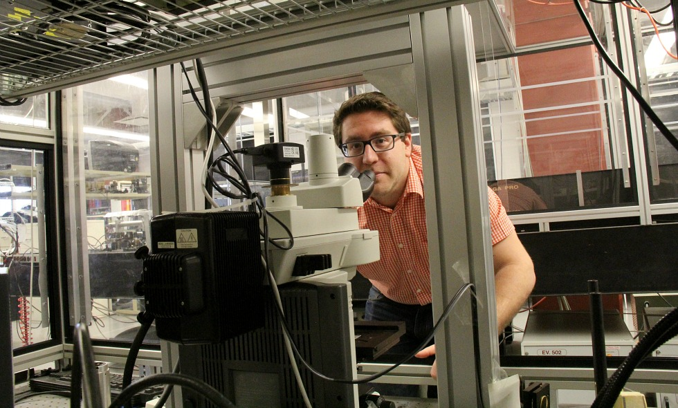 """Electrical engineering PhD student Nir Katchinskiy led a research team that was able to """"weld"""" neurons together using a femtosecond laser."""