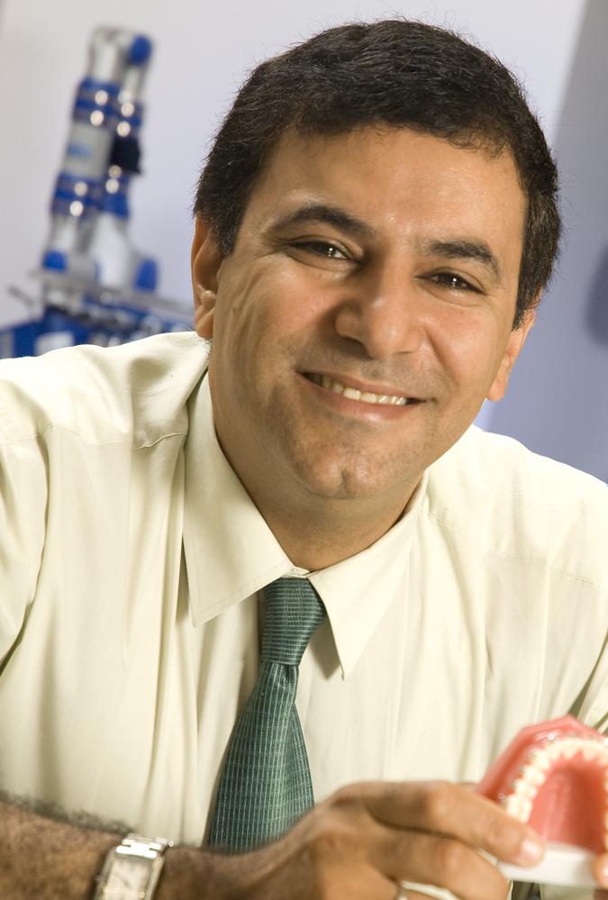 201014-smilesonica-tarek-el-bialy-picture-1469-1425919080.jpg