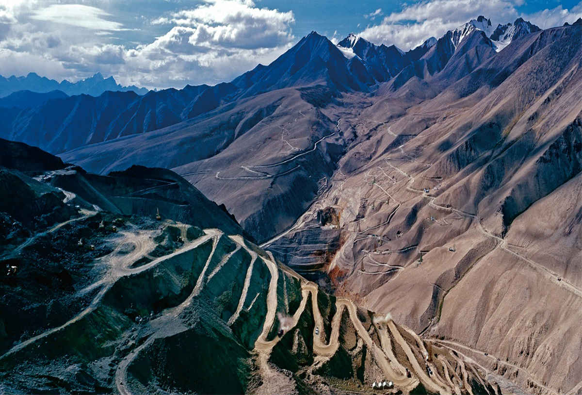 Earth's youngest banded iron formation in western China.