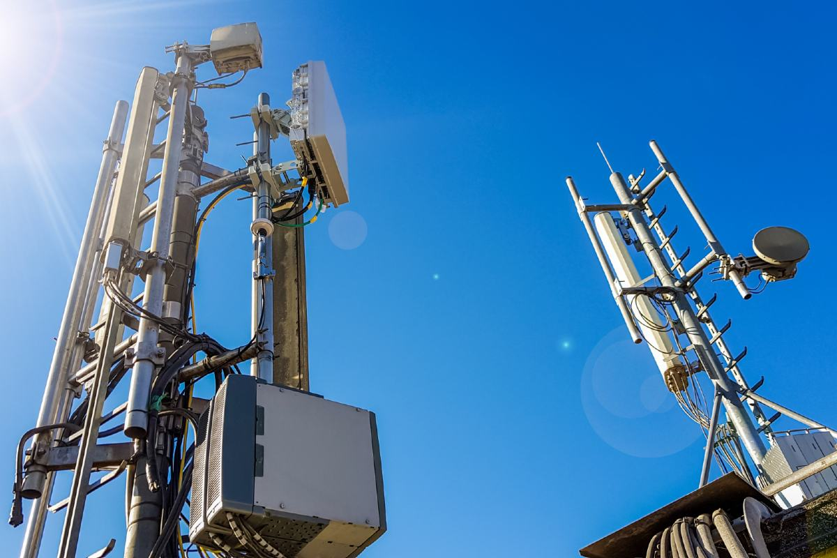 Newly-announced federal funding will support a University of Alberta-led study in the development of new infrastructure for 5G wireless communications.